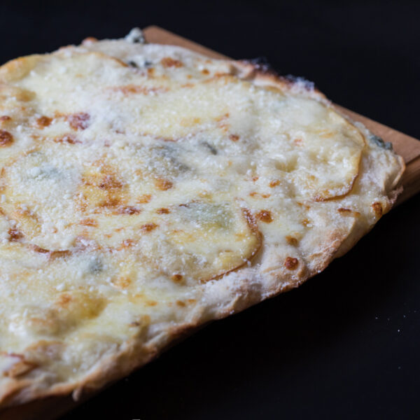 pinsa 4 formaggi